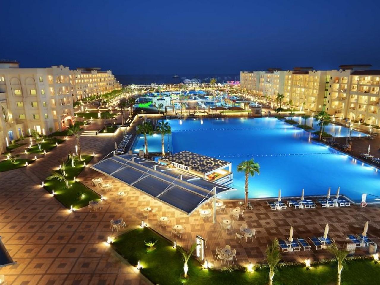 WINTER STAYCATION: Albatros White Beach, Hurghada
