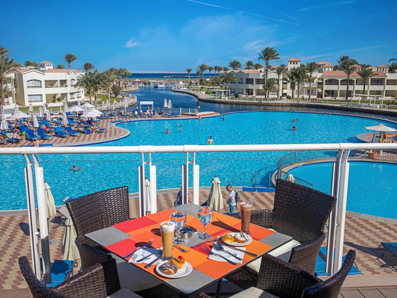 WINTER STAYCATION: Dana Beach Hotel, Hurghada