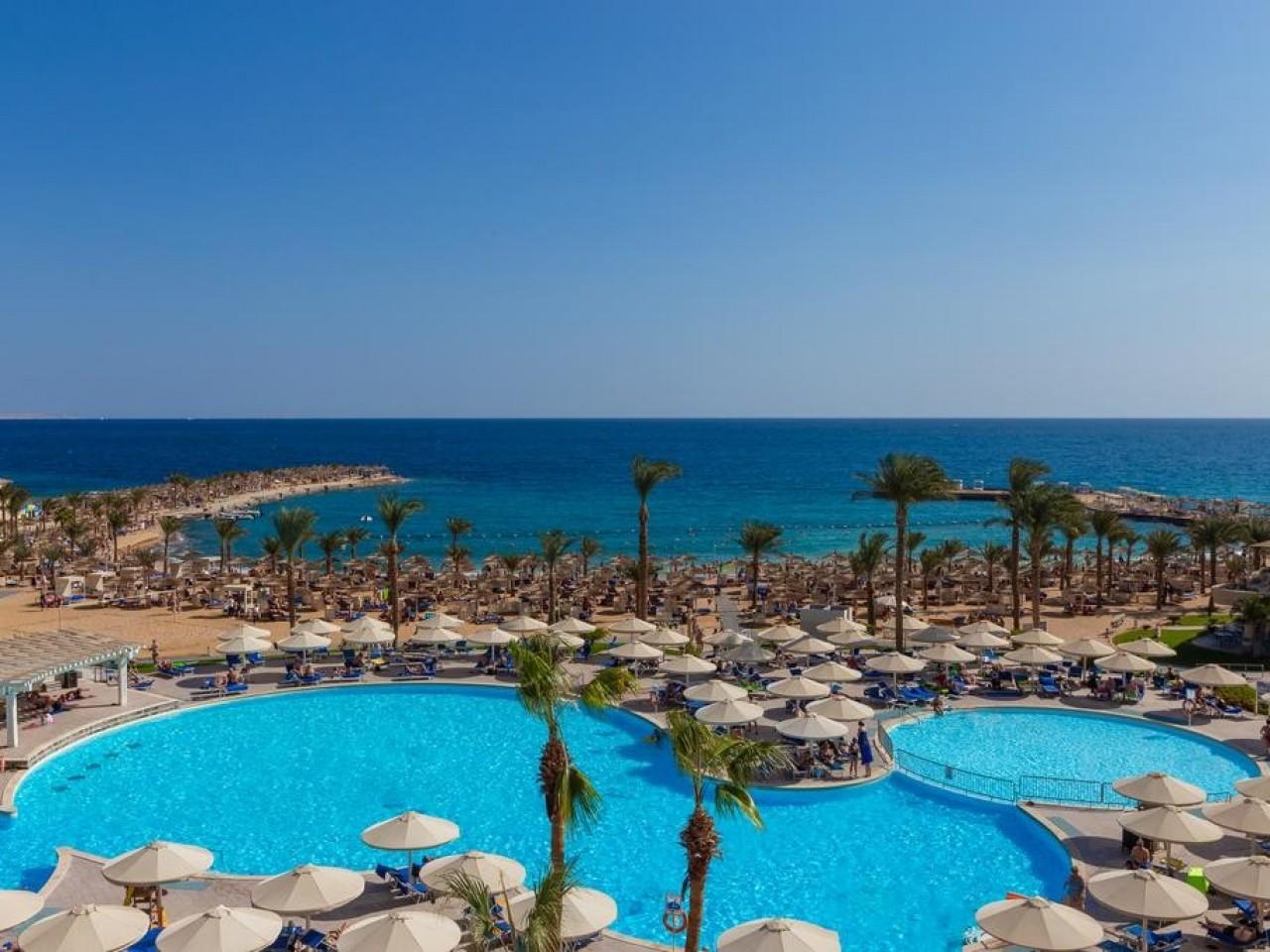WINTER STAYCATION: Beach Albatros Resort, Hurghada