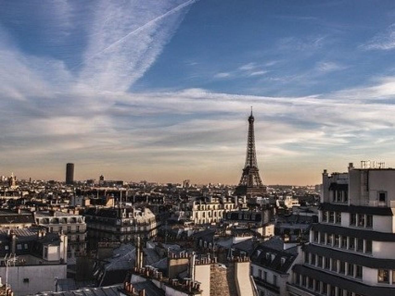 Paris +980