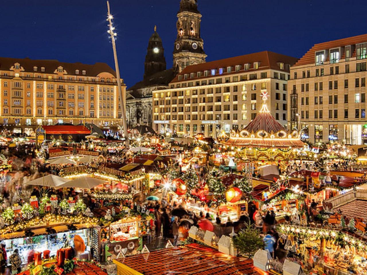 Budapest at Christmas: 03 December 2021