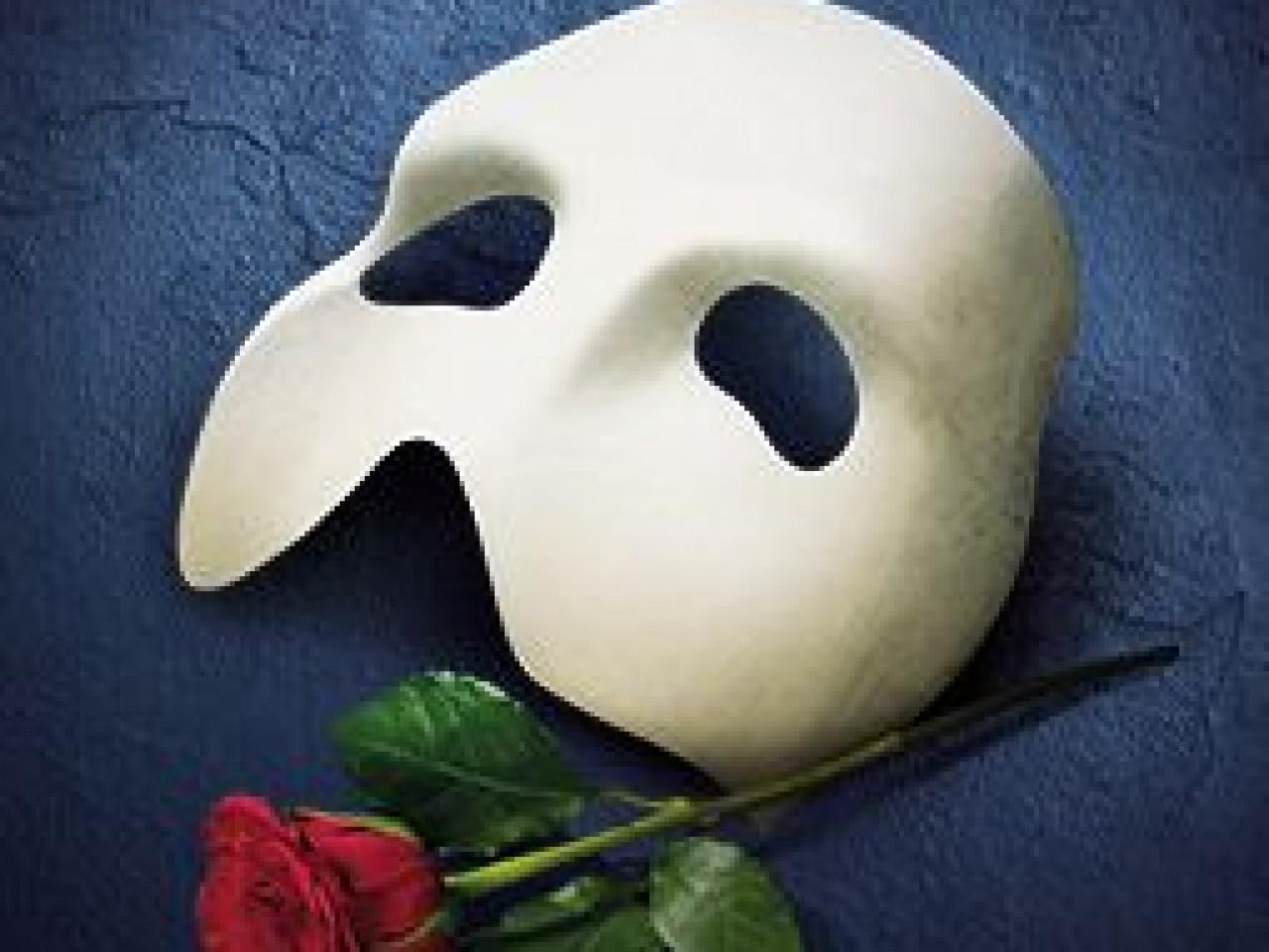 Phantom of the Opera 2-Nights 4* Hotel & Ticket