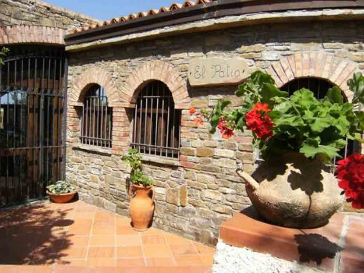 SPRING IN THE CELLAR AND WINERY IN AGROPOLI IN B&B from € 92