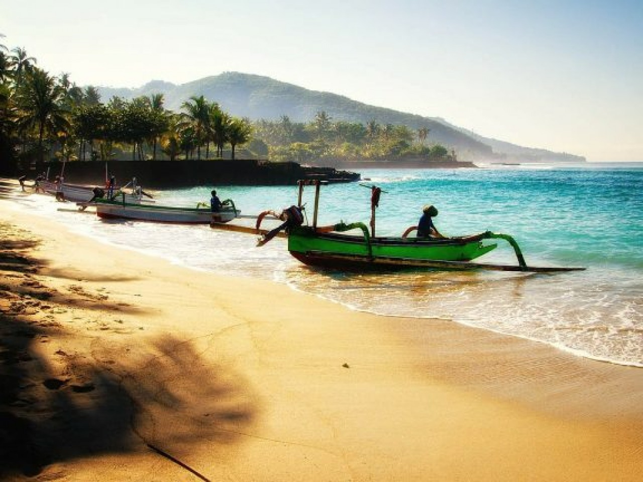 INDONESIA CON SHADOW TRAVEL