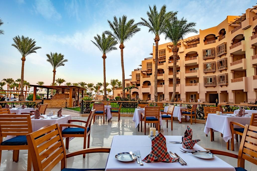 Restaurant Terrace View