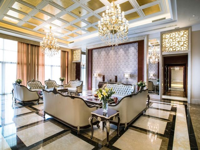 Room Presidential-Suite-Hall