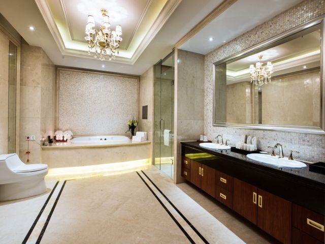 Room Presidential-Suite-Bathroom
